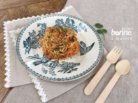 Salade de chou-rave et carottes au sésame