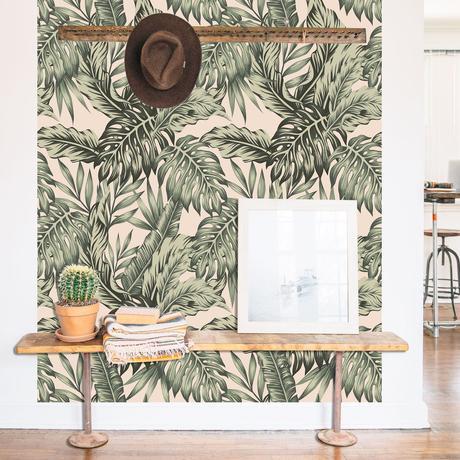 papier peint autocollant urban jungle vert beige banc bois déco vintage tropicale