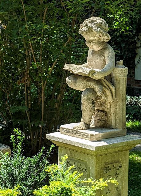 Friedhof Haidhausen (München / Munich) — 17 Fotos