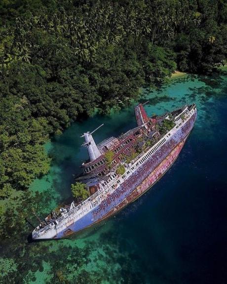 Inspiration : MS World Discoverer, un navire échoué