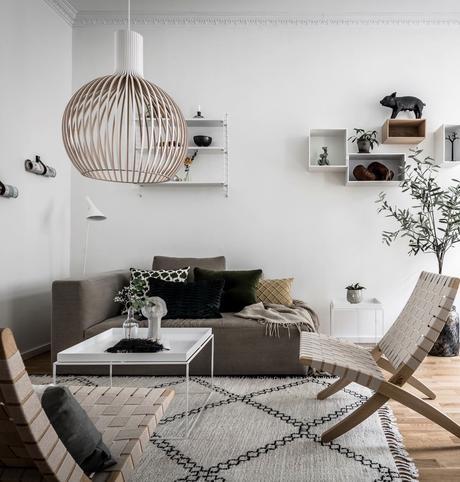 salon scandinave fauteuil bois corde étagère string suspension secto lampadaire louis poulsen