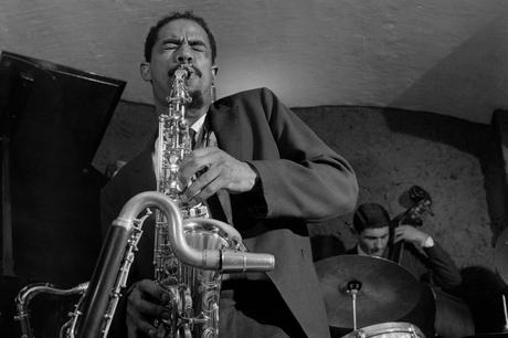 Blonde & Idiote Bassesse Inboubliable*******************Out To Lunch de Eric Dolphy