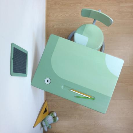 vue d'en haut bureau d'école ancien restauration meuble original simple style scandinave - blog déco - clem around the corner