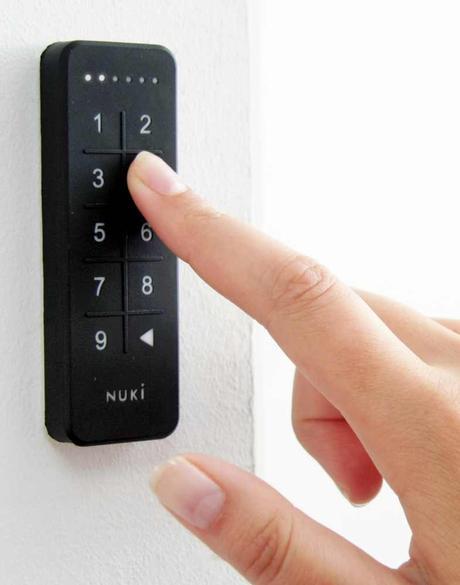 télécommande digicode appartement porte entrée connectée ouverture automatique sans clef