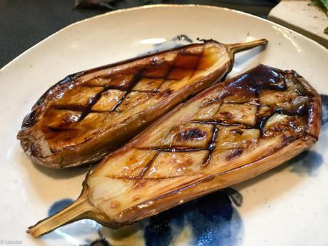 Inspiration japonaise – Aubergines rôties, sauce citronnée et shiso