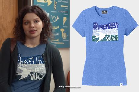 TRINKETS : Jillian's 'she flies with her own wings' print tee in S2E05