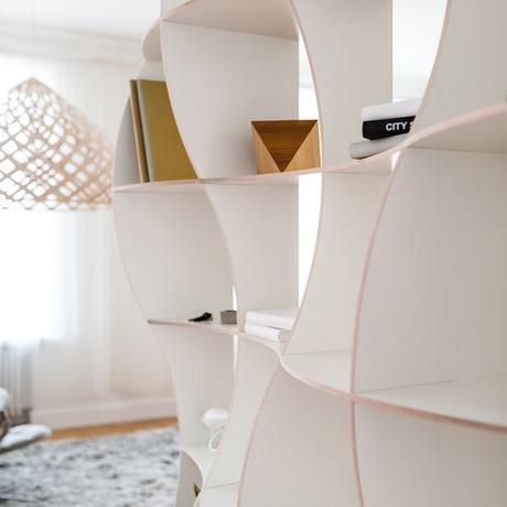étagère ondulation bois blanc déco intérieure lumineux design