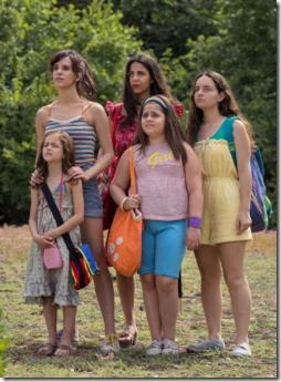 61226-LE_SORELLE_MACALUSO__THE_MACALUSO_SISTERS__-_Official_Still__16_