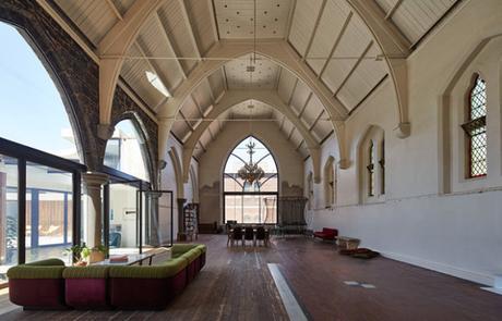 Une ancienne église transformée en maison de rêve
