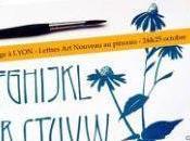 Lettres Nouveau pinceau pointu chemins l'écriture