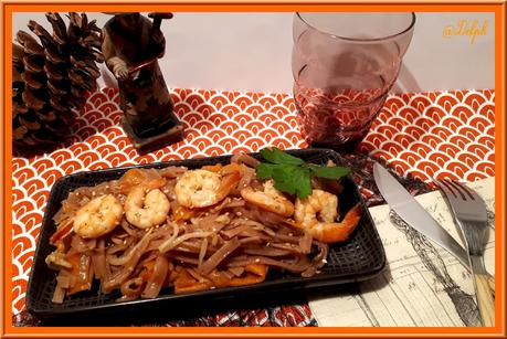 Tagliatelles  Thaïes de riz aux crevettes et sauce Poke
