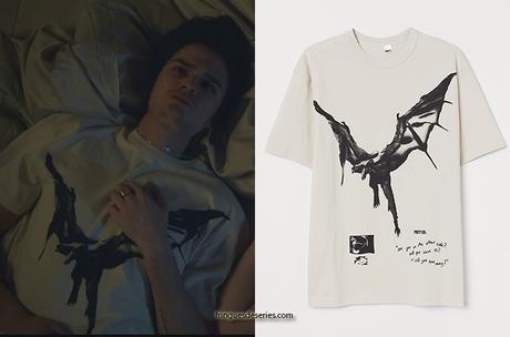 GRAND HÔTEL : le t-shirt de Xavier Vasseur dans 1×03
