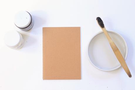 comment peindre brosse dent motif éclaboussure artistique feuille