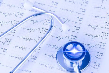 Une déclaration rédigée à l'intention des professionnels de la santé indique la conduite à tenir face à une arythmie associée au médicament (AdobeStock_229601539)