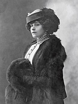 Colette photographiée par Henri Manuel (vers 1910)