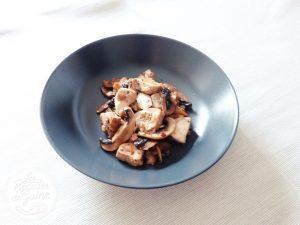 Une recette de poulet aux champignons et gingembre