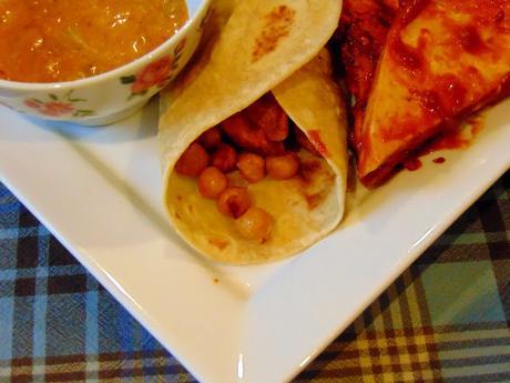 Wrap aux frites et pois chiches avec tofu bbq et sauce bbq
