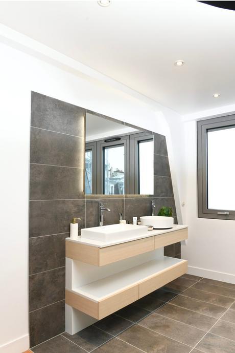 8 campagne première salle de bains grise bois