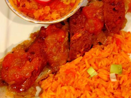 Bruschetta aux aubergines aux parfums indiens, saucisses végétales et ketchup de fruits