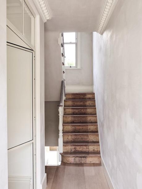 habitat de la capitale anglaise escalier traditionnel marches bois vieillit rampe