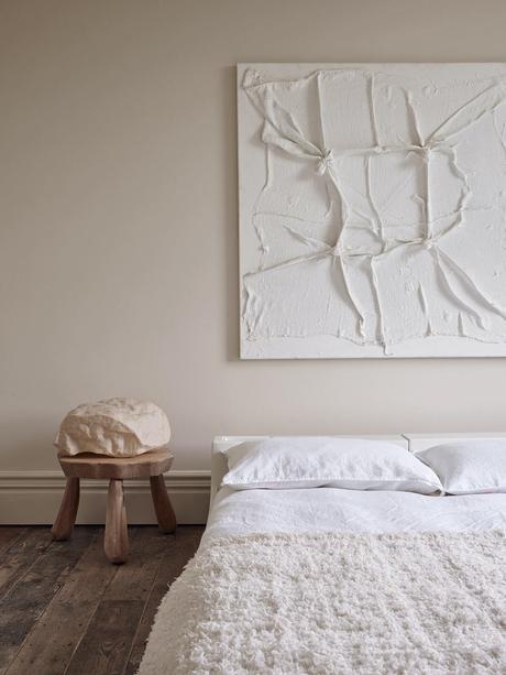 chambre sobre bois beige plaid moumoutte - blog déco - clem around the corner