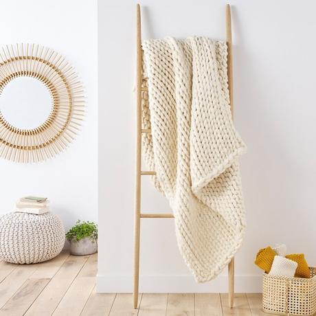 plaid tricot blanc écru ma sélection hiver cocooning tendance - blog déco - clematc