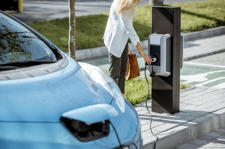 Les bornes de recharge rapide : comment en bénéficier et à quel prix ?