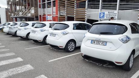 La location des batteries de voiture électrique : est-ce vraiment rentable ?