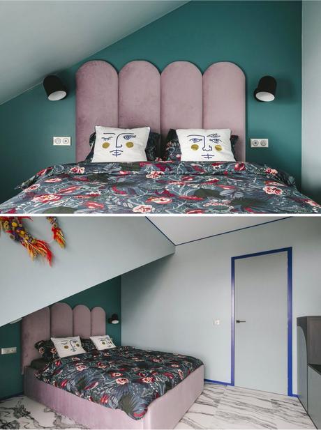 appartement témoin chambre velours rose tête de lit boudoir mur vert émeraude coussin Jonathan Adler