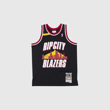 Les plus grandes franchises NBA confient leur maillot à des rappeurs
