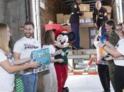 œuvres humanitaires poursuivent entre Disney Toys Tots