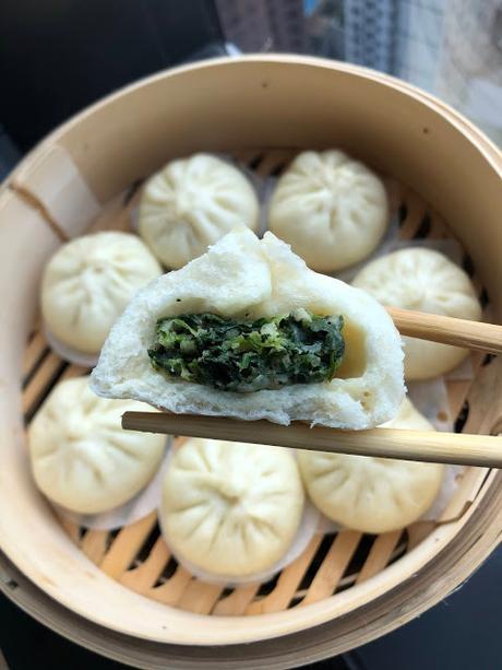 Bao aux crevettes et épinards 虾肉菠菜包