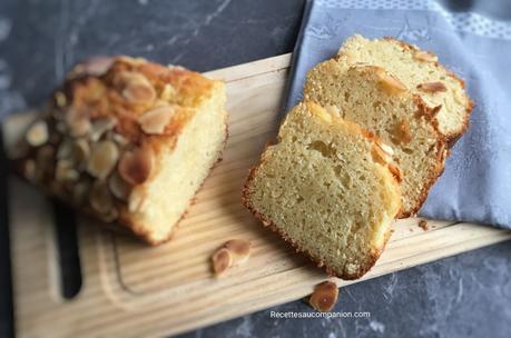 Cake aux amandes ultra moelleux au companion thermomix ou sans robot