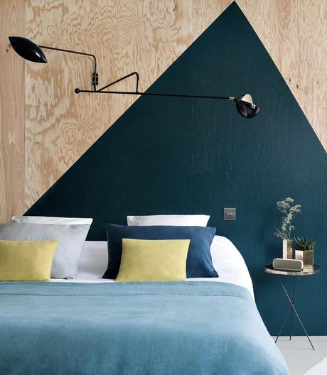 tête de lit graphique peinture fait-main triangle panneau osb