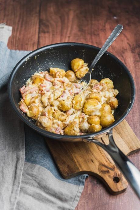 Poêlée de pommes de terre façon tartiflette avec le wok Cristel