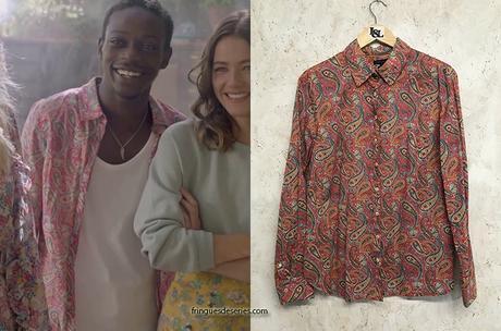 ICI TOUT COMMENCE : la chemise à motif cachemire rose  d'Enzo dans le générique
