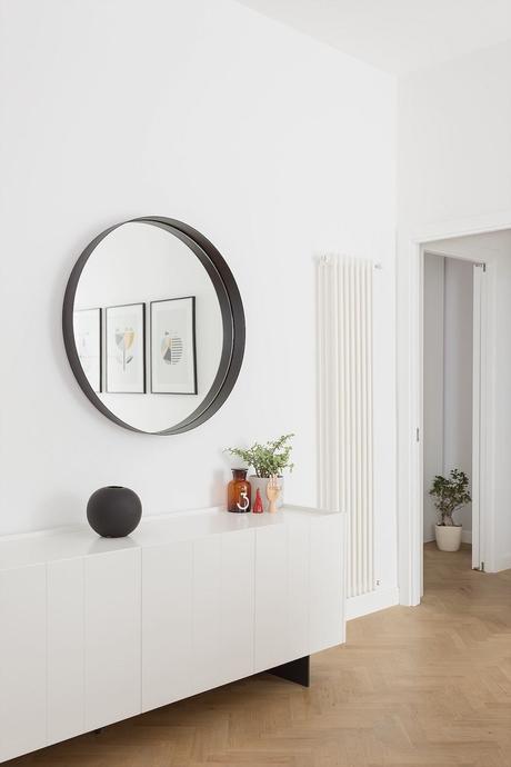décoration Frascati design italien intérieur parquet bois chevron noir blanc