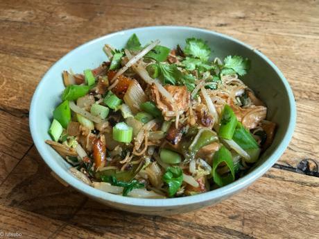 Cot cot codet ! – Vermicelles de riz sautés au « poulet »