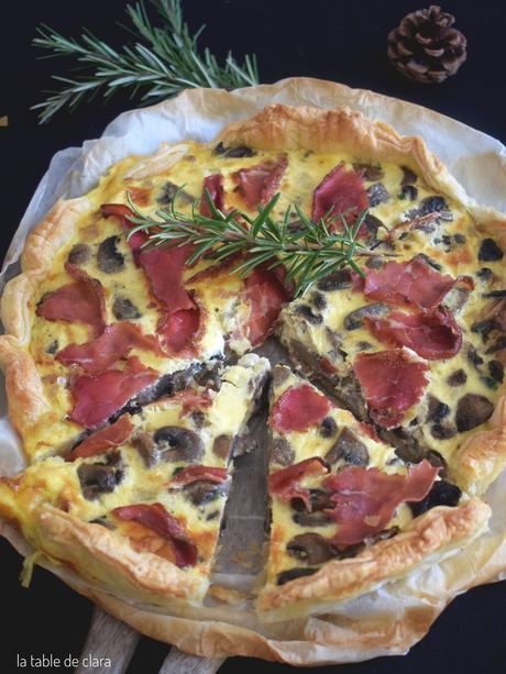 Tarte aux champignons de Paris et bresaola