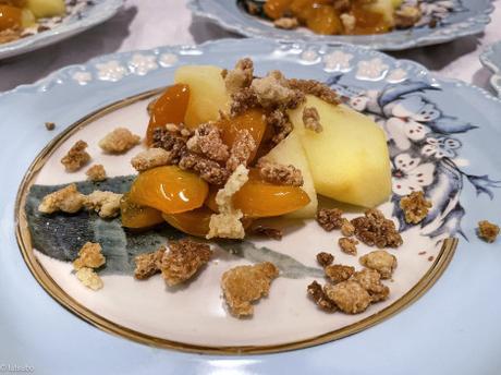 Fêtes de saison – Pommes à la vapeur, compote de kumquats et crumble vanillé