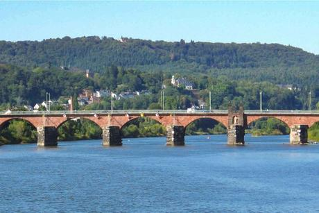 Trier Römerbrücke © Johnny Chicago - licence [CC BY-SA 3.0] from Wikimedia Commons