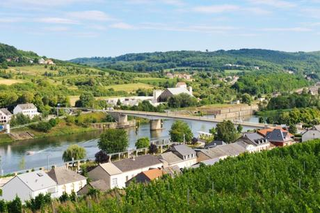 La Moselle à Schengen vue du Markusberg © Cayambe - licence [CC BY-SA 3.0] from Wikimedia Commons
