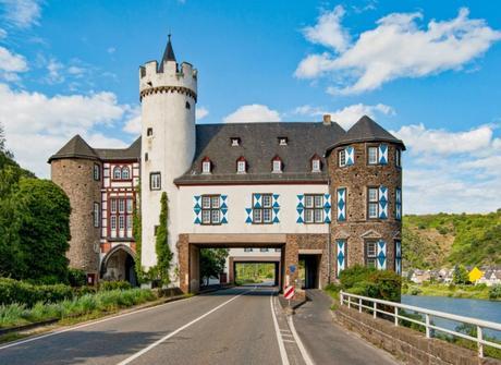 Schloss Gondorf © Steffen Schmitz - licence [CC BY-SA 3.0 de] from Wikimedia Commons