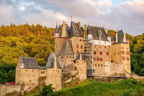 Burg Eltz. Photo © haveseen [Envato Elements]