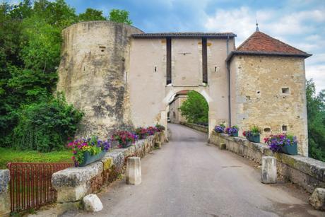 La porte fortifiée de Liverdun © French Moments