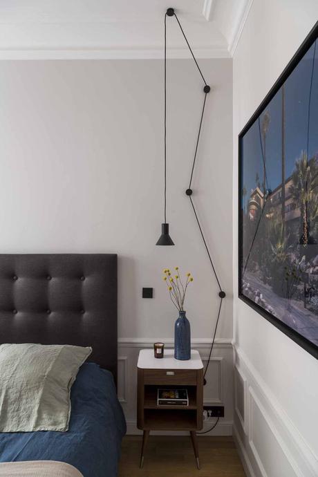 chambre parentale tête de lit matelassé bouton grise applique lampe aimante mur monte descend
