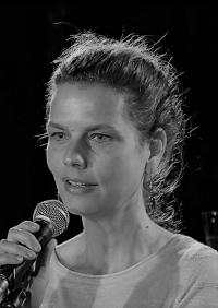 Aline Recoura portrait NB