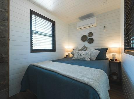 chambre van life rénovation ancien maison conteneur vie nomade