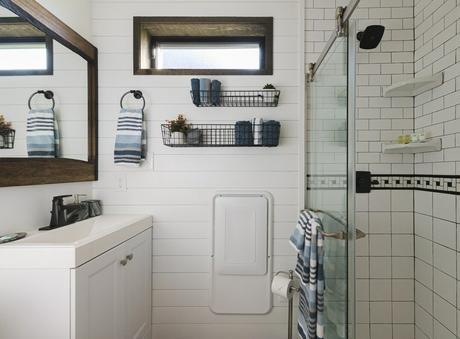maison conteneur insolite salle de bains douche cabine van
