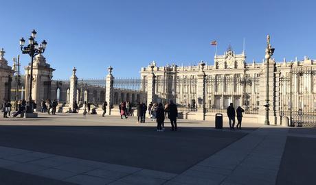 Mardi tourisme: palacio réal y almuneda, Madrid